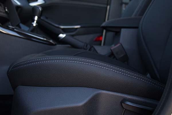 Ford Focus Buffalino Leder Zwart