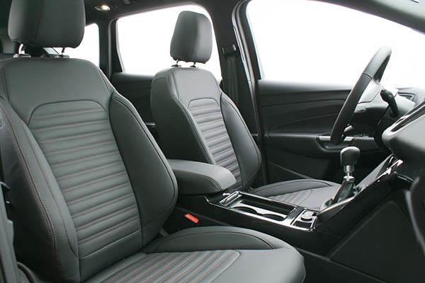 Ford Kuga Alba Nappa leder Zwart Voorstoelen